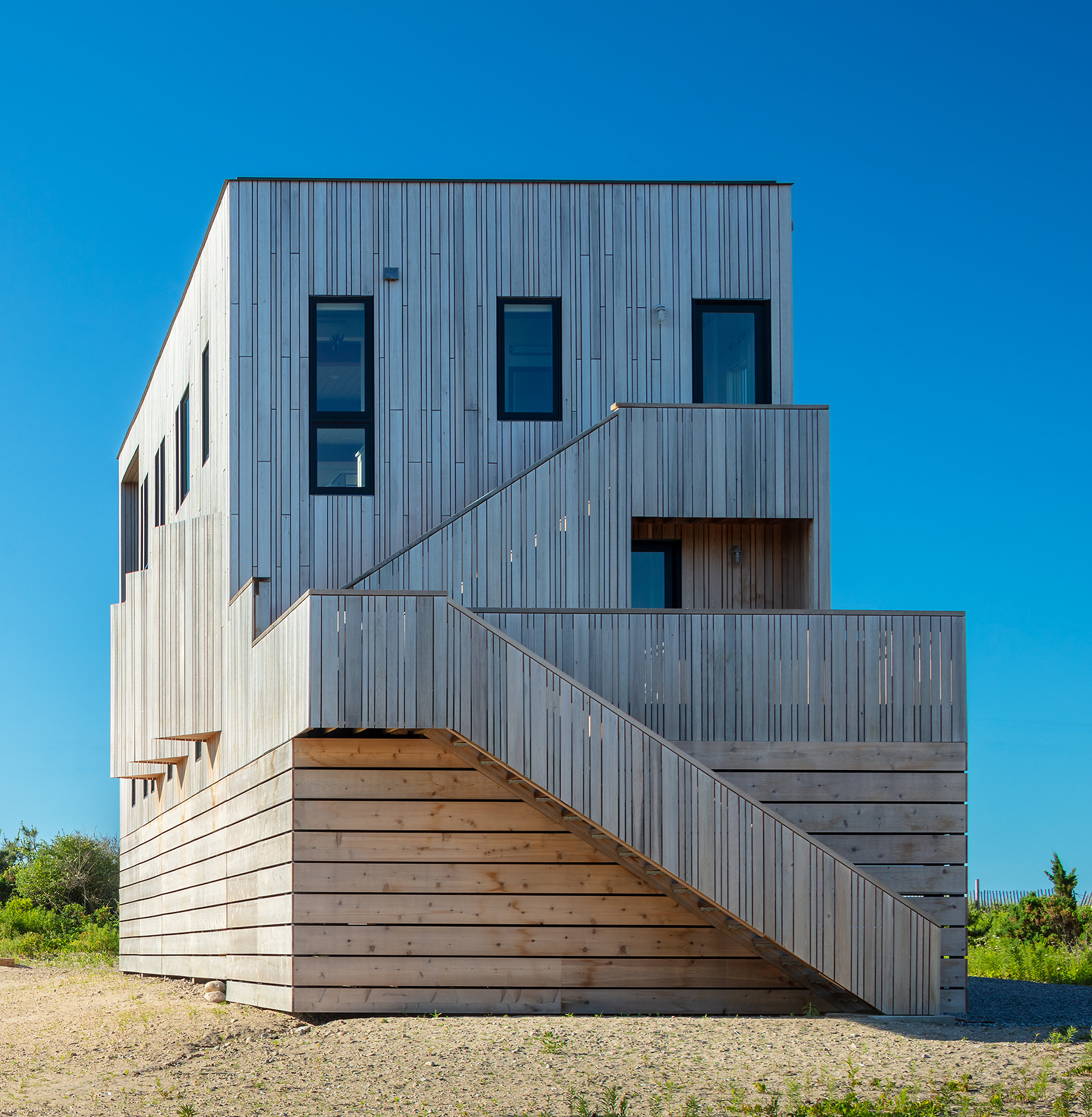 Kite-1614-Charlestown-beach-house-exterior-back